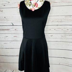 Annabelle Plus 1X black sleeveless flare dress💕